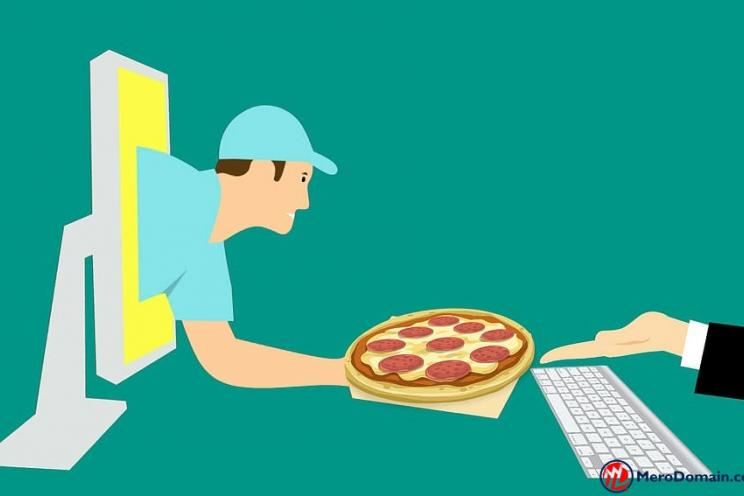 a picture showing the pizza delivered from the laptop in online ordering